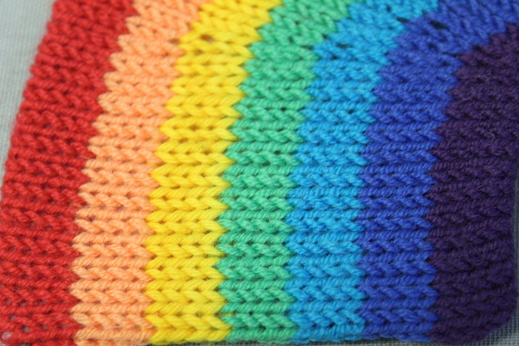 STOPM_2020_454b: close-up of the knitted rainbow.